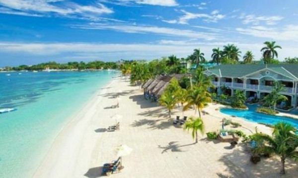 Top 10 Caribbean Islands To Visit in 2016
